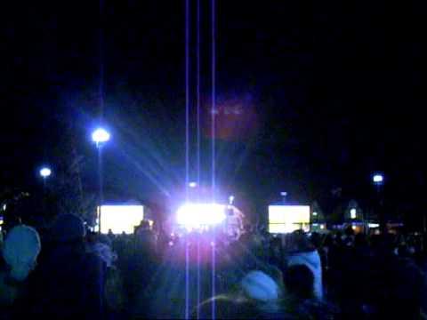 Cheshire Oaks Christmas Light Switch On 2010
