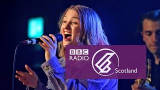 Be Charlotte - Do Not Disturb (The Quay Sessions)