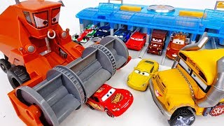 Download Frank Drank All The Water In The Pool~! Disney Cars Pool Party  - ToyMart TV