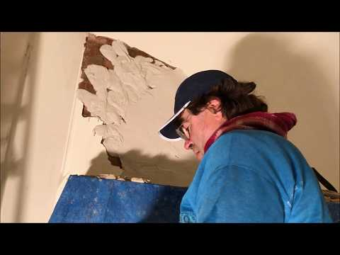 Solid Plaster and Victorian Bullnose Angle with a Quirk Repair