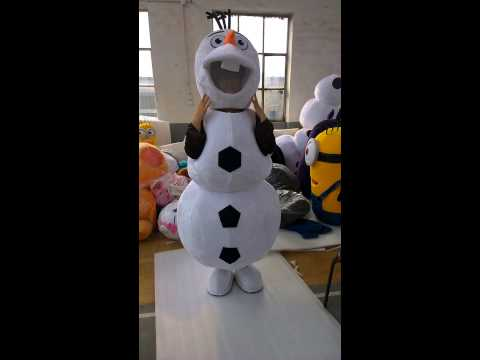 How to wear Olaf mascot costume in person