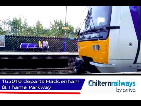 Chiltern 165010 departs Haddenham & Thame Parkway - 24/8/18