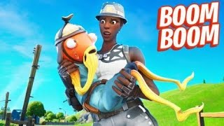 SQUEAKER Voice Trolling in Fortnite 😂 (Annoying people in Squad Fills )
