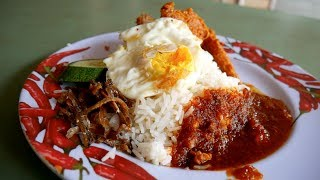Eating MALAY FOOD in SINGAPORE - Changi Village Hawker Centre | Food and Travel Channel