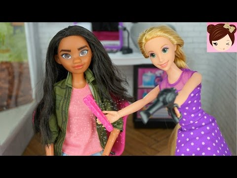 Moana gets a Makeover by Rapunzel - Haircut and Style at Barbie's Hair Salon