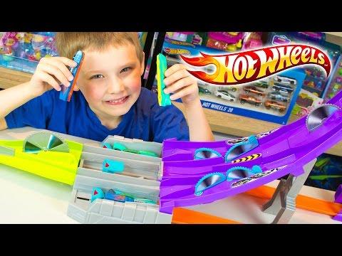 Hot Wheels Split Speeders Toy Cars for Children Blade Raid Playset Kinder Playtime