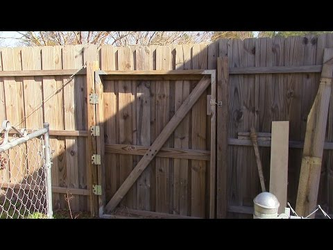 52 Fixing and Rehanging a large wooden gate