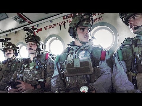 Reconnaissance Marines Conduct Military Freefall