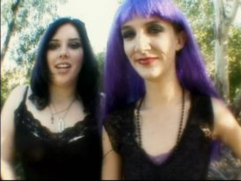 How to Dress in Goth Clothing : Final Goth Clothing Tips