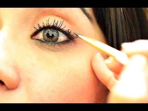 How to Apply Kajal/Black Eye Liner for Daily Look