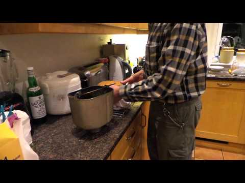 Removal of bread from a Panasonic breadmaker