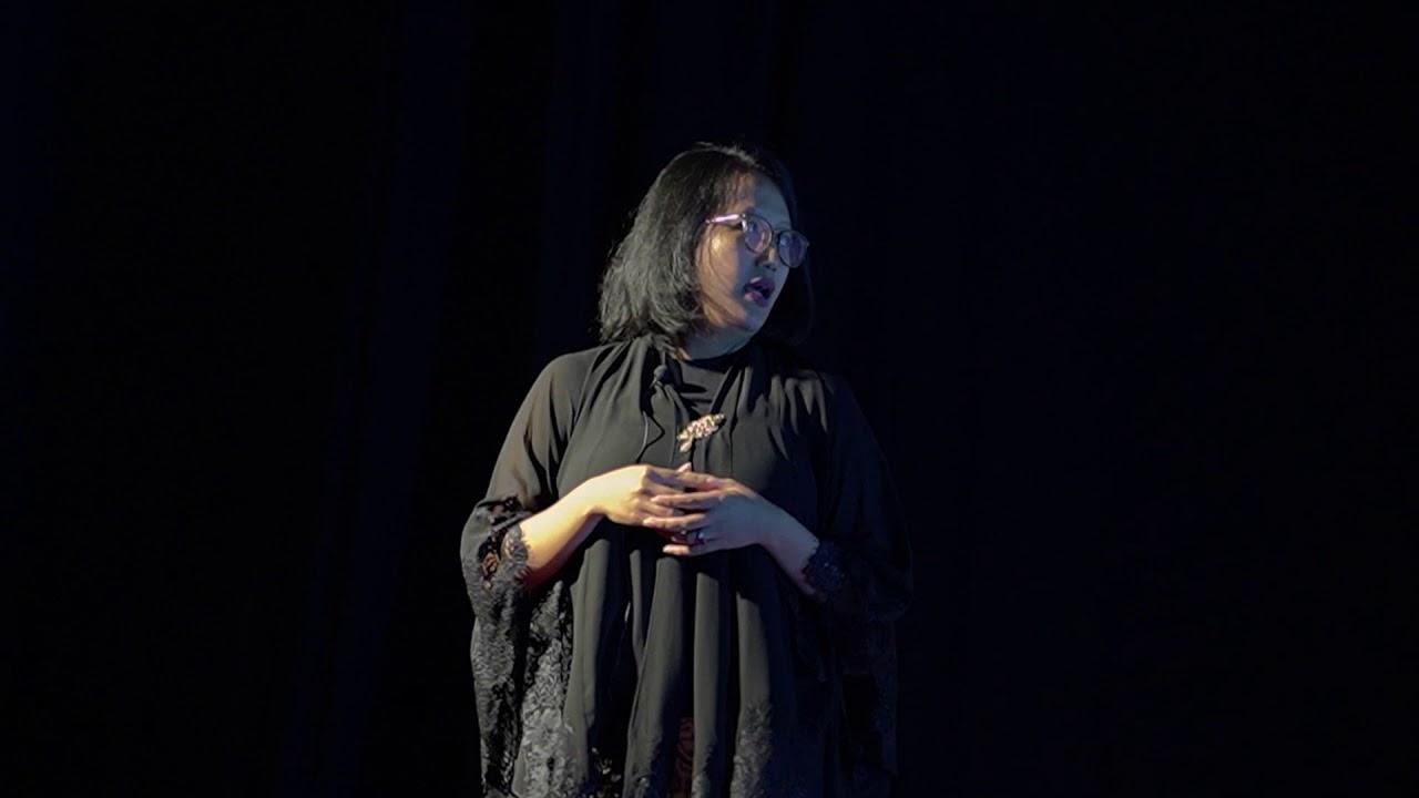 Being a Modern Royal Javanese Princess | Gusti Kanjeng Ratu Hayu | TEDxMlatiWomen