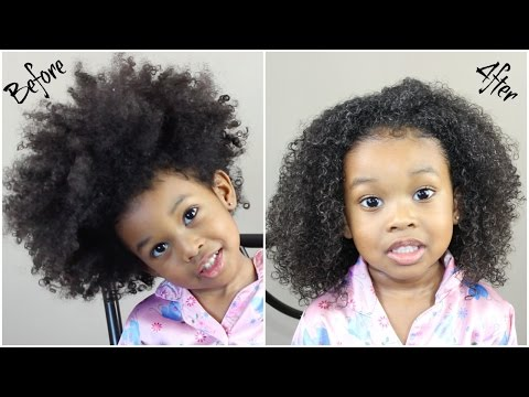 Detangling Curly Hair After a Few Days of it Being Out | Curly Hair Care
