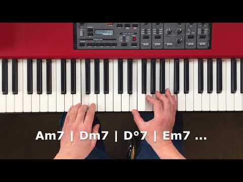Build A Walking Bass Line From Scales - The Jazz Piano Left Hand You Need To Know