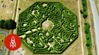 Get Lost with the World's Master Maze Maker