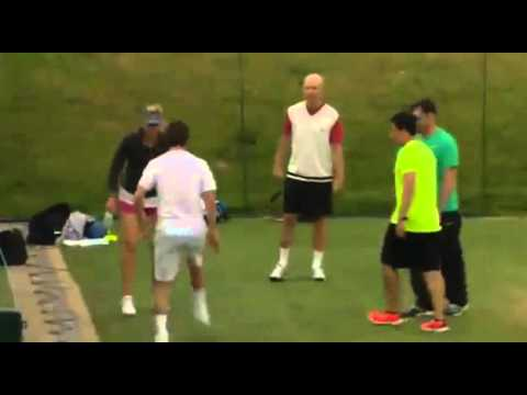 Maria Sharapova shows off her ball juggling skills Soccer