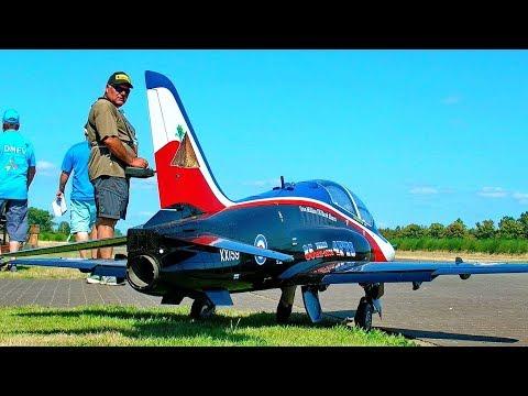 HUGE RC BAE-HAWK SCALE MODEL TURBINE JET FLIGHT DEMONSTRATION