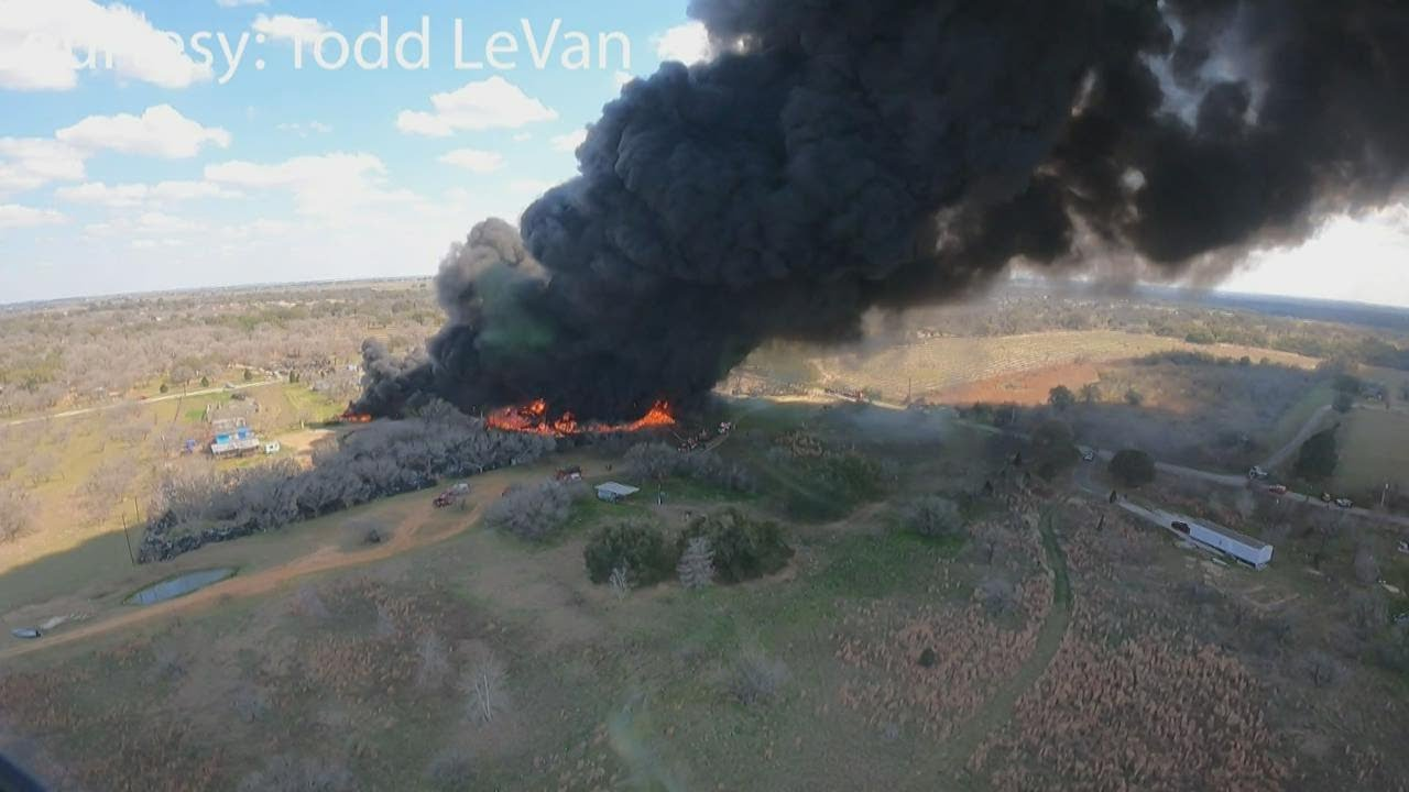 South Texas firefighters spend hours trying to extinguish San Antonio-area blaze