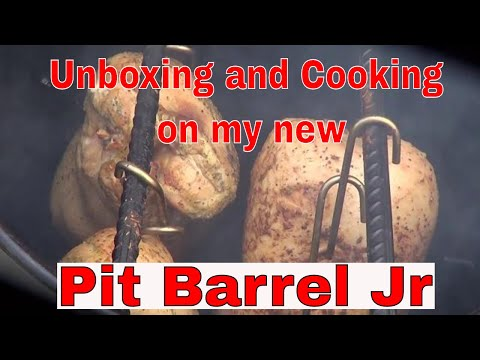 Unboxing and Cooking on my new Pit Barrel Jr