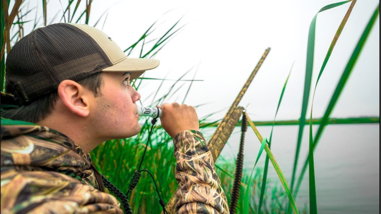 Duck Hunting in a FLOODED Field!!! (LIMITED OUT)