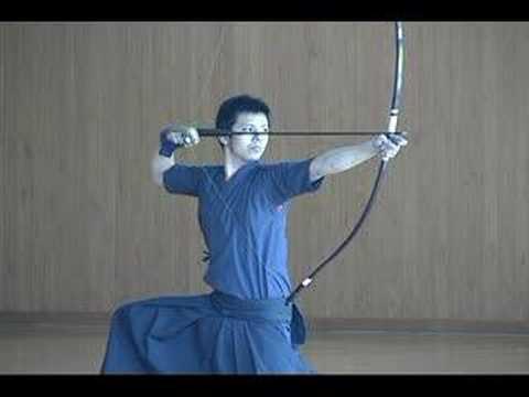 弓道 -学生上級者の礼射-