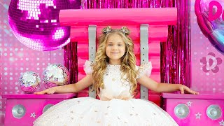 Diana and Roma Happy Birthday Song (Official Music Video)
