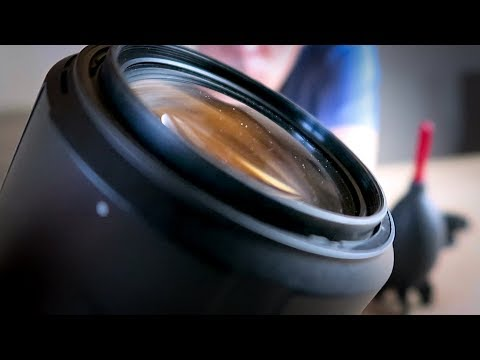 Cleaning DSLR lenses using lens wipes |  How to clean it FAST without streaks!