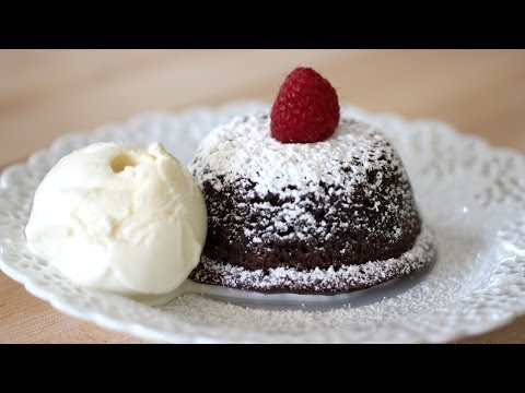Beth's Foolproof Chocolate Lava Cake | ENTERTAINING WITH BETH