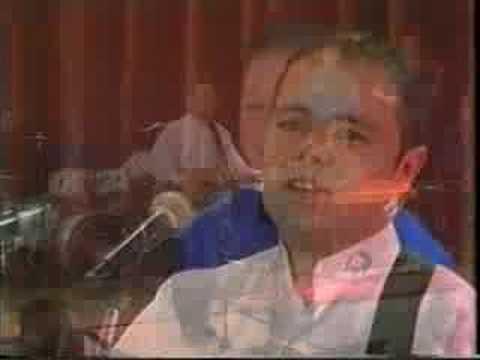 Kieran McGilligan vid 12 Love Put A Song In My Heart