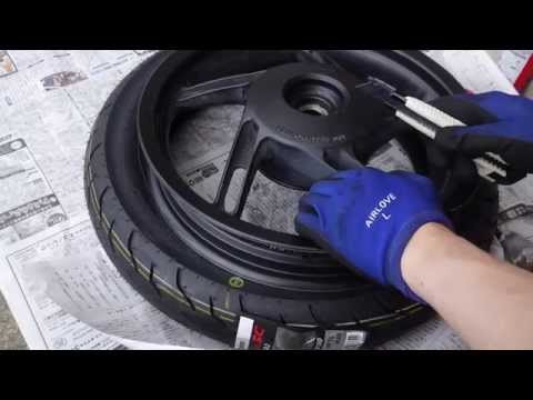 How to Replace Moto Tubeless Tire Valve / エアバルブの交換