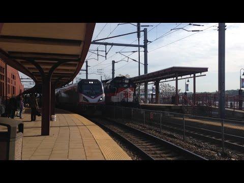 Amtrak Train #195 in New London, CT