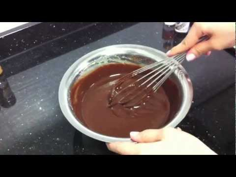 Easy Chocolate Lava Cake (Recipe)