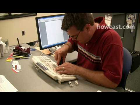 How to Play a Keyboard Prank on a Co-Worker