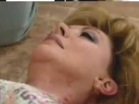 Xxx Mp4 Telenovela Peregrina Abigail Empuja A Victoria Por Las Escaleras 3gp Sex