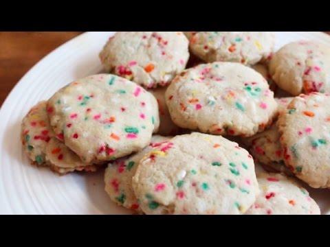 Funfetti Sugar Cookies | SweetTreats