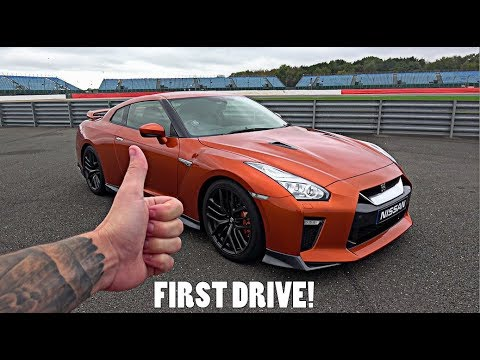 My FIRST EVER Drive in a Nissan R35 GT-R!!