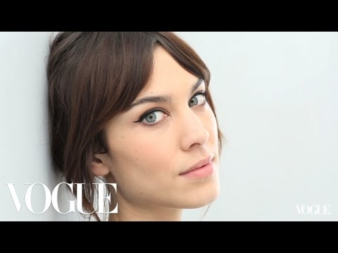 The Monday Makeover: Alexa Chung's Cat Eye