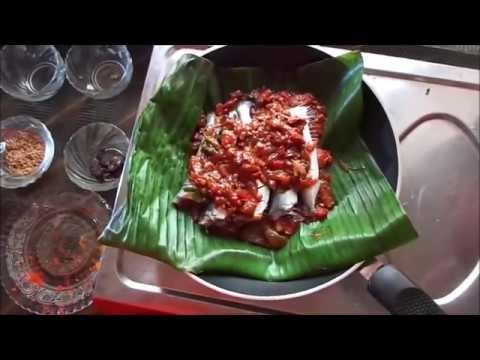 മത്തി പൊള്ളിച്ചത് | Kerala Style Mathi Pollichathu - Spicykitchen.net