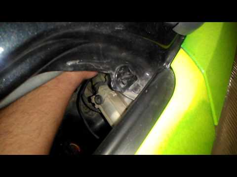 Smart fortwo change headlight