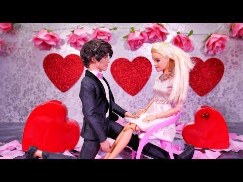 Walentynki Barbie 💕 Zaręczyny Barbie i Kena 💕 Rodzinka Trojaczki 💕 Bajka po polsku z lalkami 4K