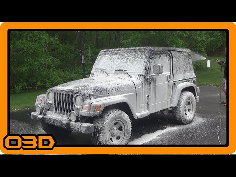 Project 2004 Jeep TJ De-Gunk Engine Compartment and First Wash