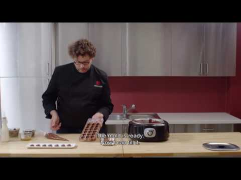 How to make molded pralines