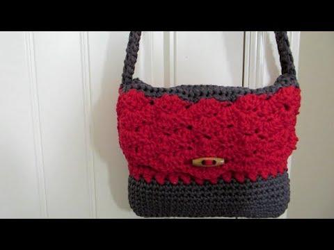 Crochet handy handbag