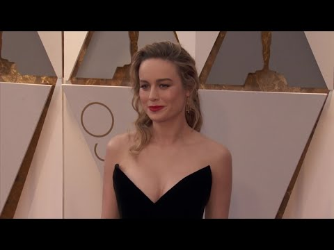 Dermatologist to the stars dishes on how celebrities prep their skin for the Oscars