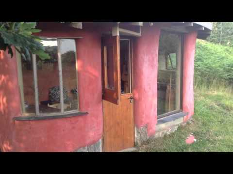 Cob houses - impressions of the Hollies 2014