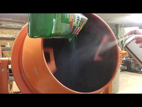 Making soil encapsulated grass seed