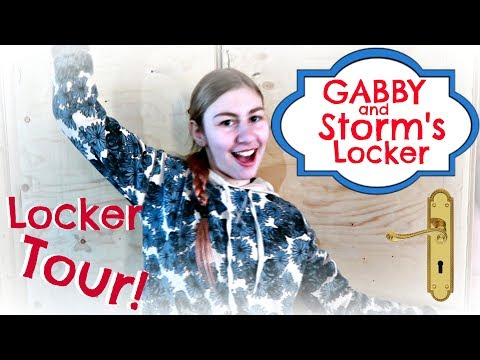 MY HORSE TACK LOCKER TOUR!