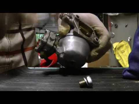 How to clean 6hp,8hp,9.9hp,15hp Suzuki 2 stroke outboard carb DIY