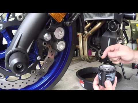 Yamaha FZ07 How to Change Oil, FZ-07/MT-07 Oil Change