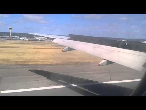 Singapore airlines landing in Perth WA